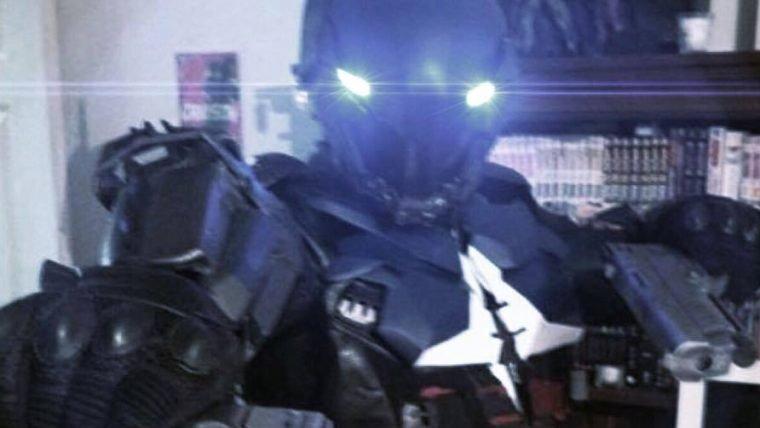 Um cosplay temível do Arkham Knight