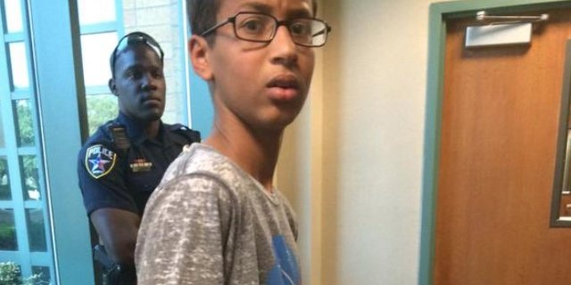 [UPDATE] Garoto de 14 anos é preso no Texas por levar um relógio caseiro para a escola