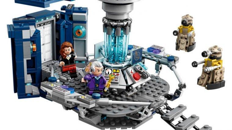 TARDIS de LEGO também é maior por dentro