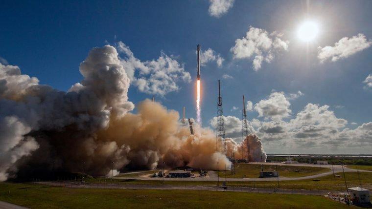 Assista ao lançamento do foguete da SpaceX [ATUALIZADO]