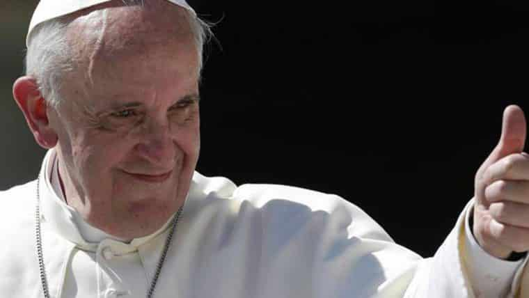 Youtuber se encontra com o Papa e dá a ele uma cópia de Undertale