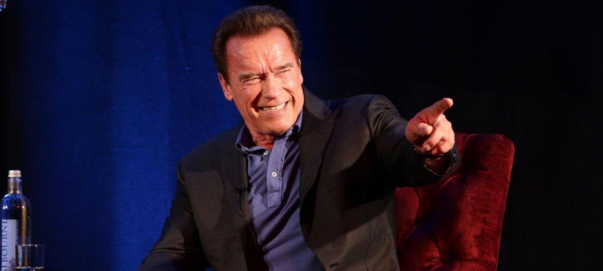 Schwarzenegger faz referência a Exterminador do Futuro após cirurgia