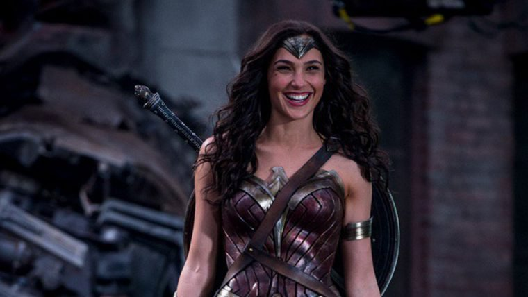 Batman vs Superman | Gal Gadot revela imagem dos bastidores do filme