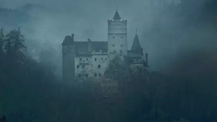 Você já pode passar uma noite no Castelo do Drácula