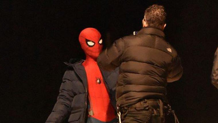 Spider-Man: Homecoming   Homem-Aranha é avistado em cima de ônibus em Berlin