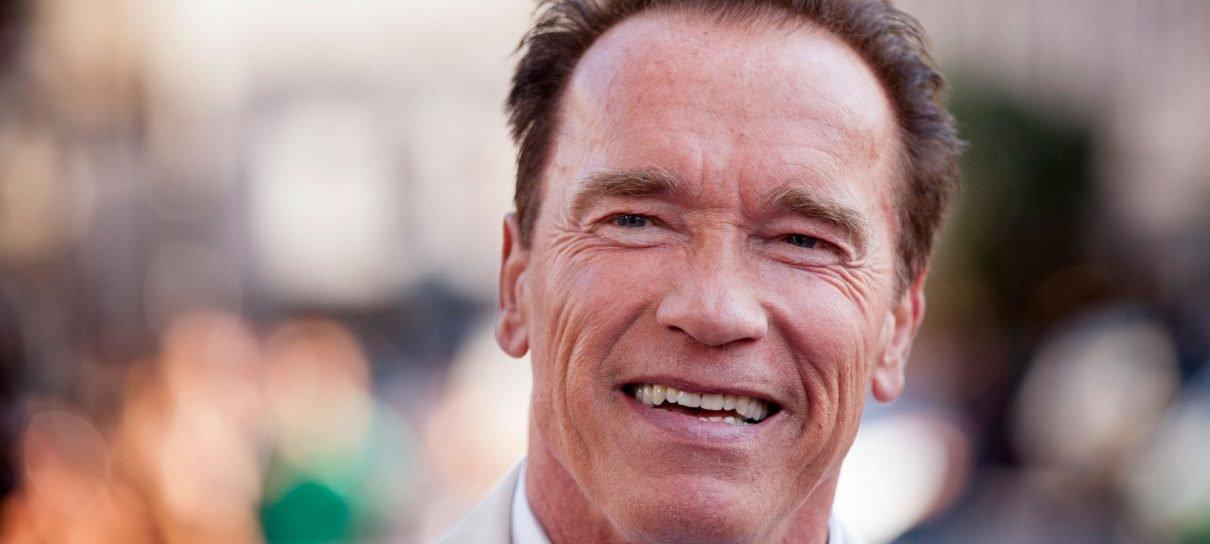Arnold Schwarzenegger passa por cirurgia cardíaca de emergência