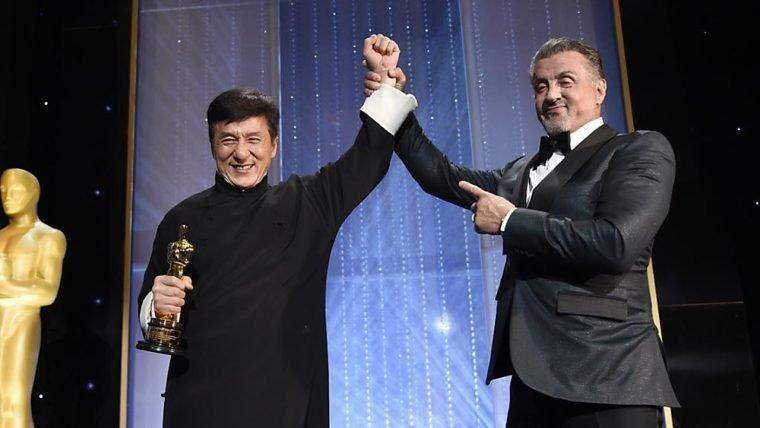 Jackie Chan recebe Oscar honorário depois de 200 filmes e mais de 50 anos de carreira