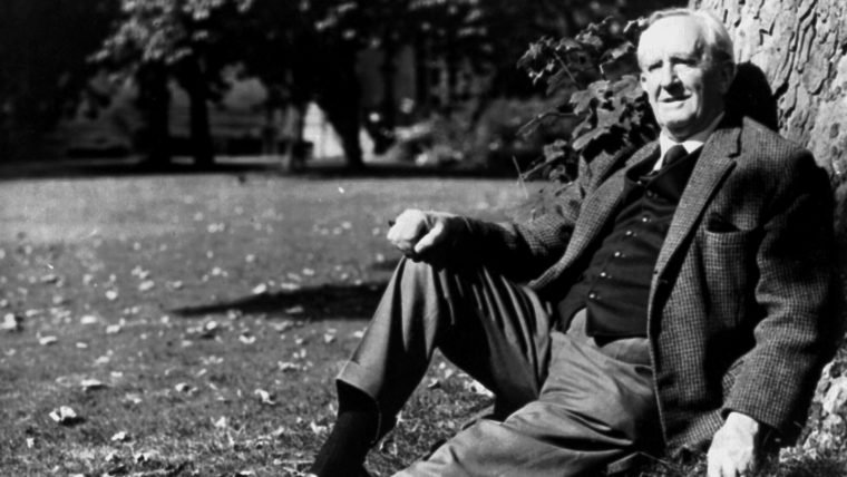 Cinebiografia de J.R.R. Tolkien encontra seu diretor