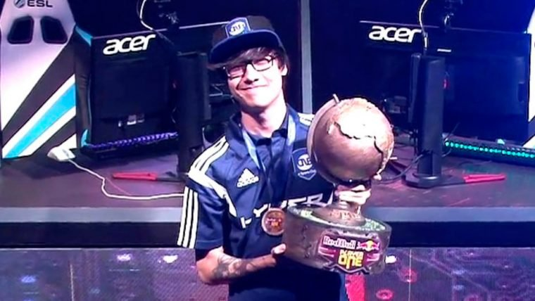 League of Legends | TinOwns vence o Red Bull Player One 2016