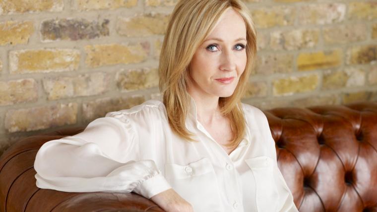 J.K. Rowling revela que está escrevendo dois livros