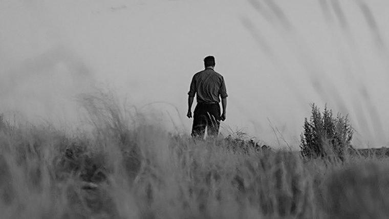 Logan aparece solitário em nova imagem do filme