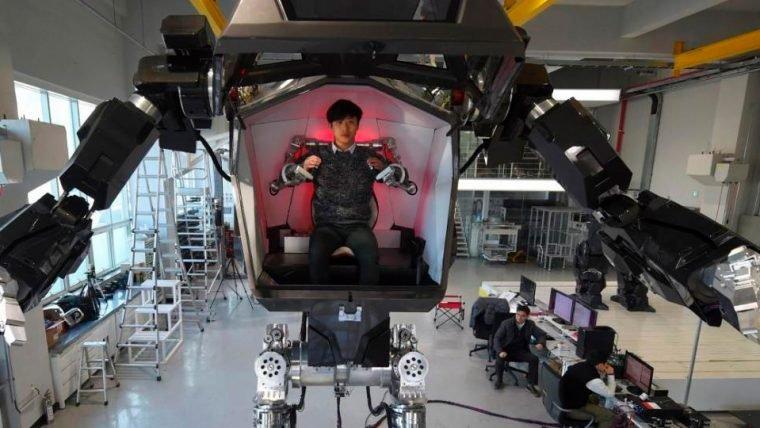 Sul-coreanos montam protótipo de robô bípede pilotado por pessoas