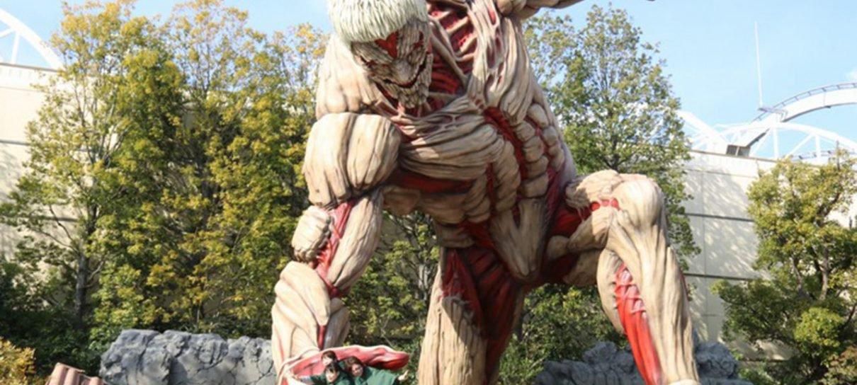 Universal Studios Japan inaugura estátua de 15 metros de Attack on Titan