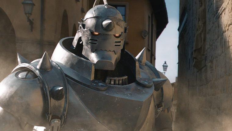 Fullmetal Alchemist   Alphonse Elric aparece (totalmente em CG) em versão live-action