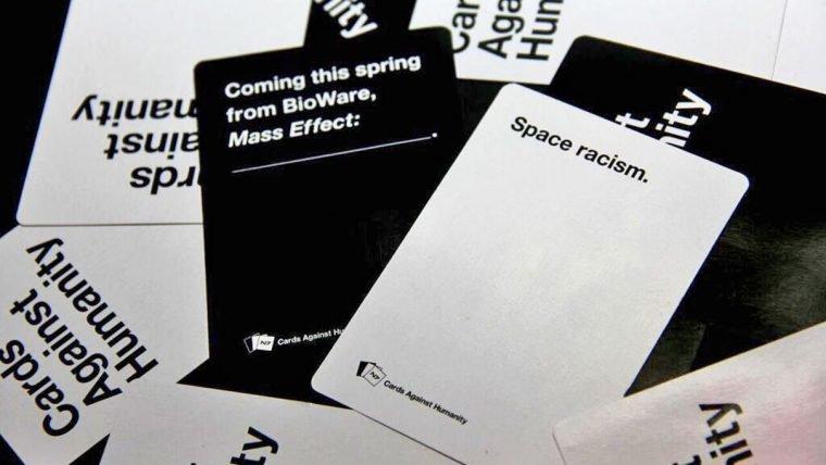 Cards Against Humanity ganha expansão temática de Mass Effect