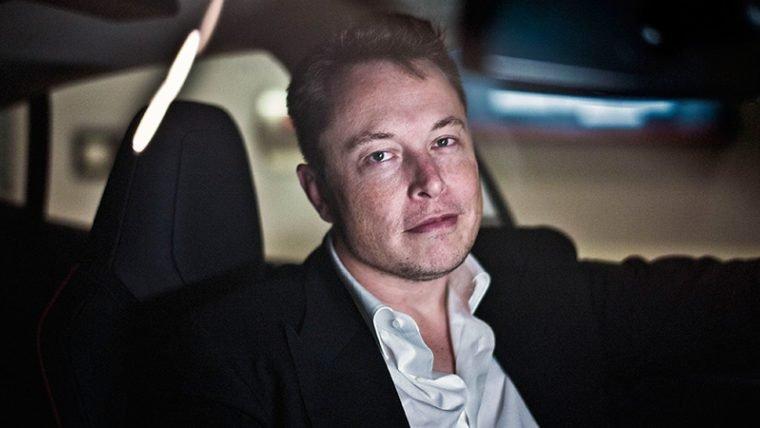 Vídeo mostra funcionamento do submarino de Elon Musk que seria usado em resgate