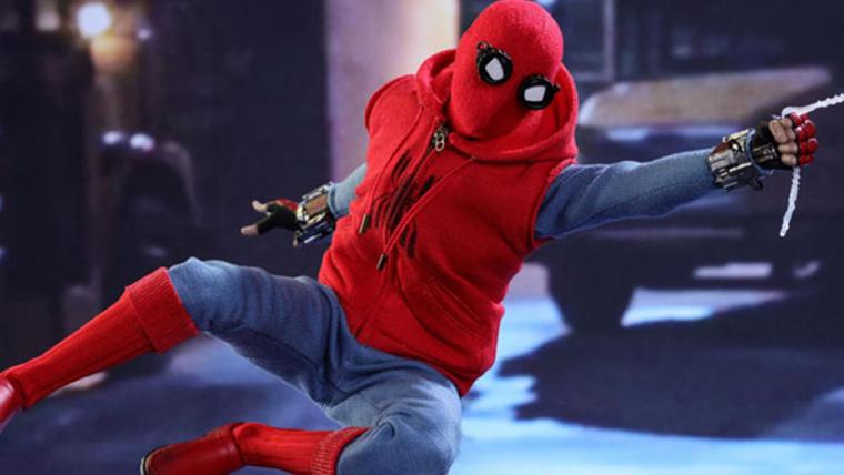 Homem-Aranha: De Volta ao Lar | Hot-Toys mostra o uniforme caseiro em detalhes