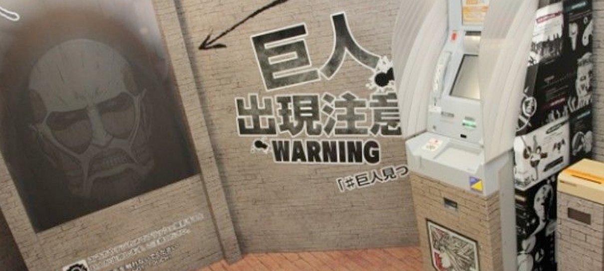 Coisas inusitadas do Japão: um caixa eletrônico de Attack on Titan