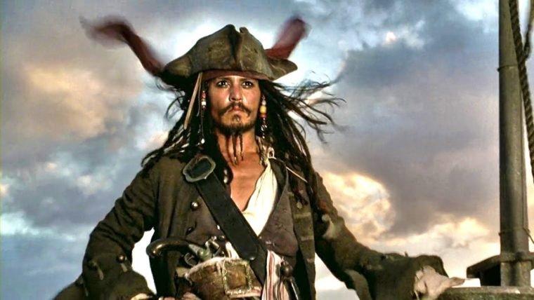 Piratas do Caribe | Johnny Depp faz participação surpresa em atração da Disney