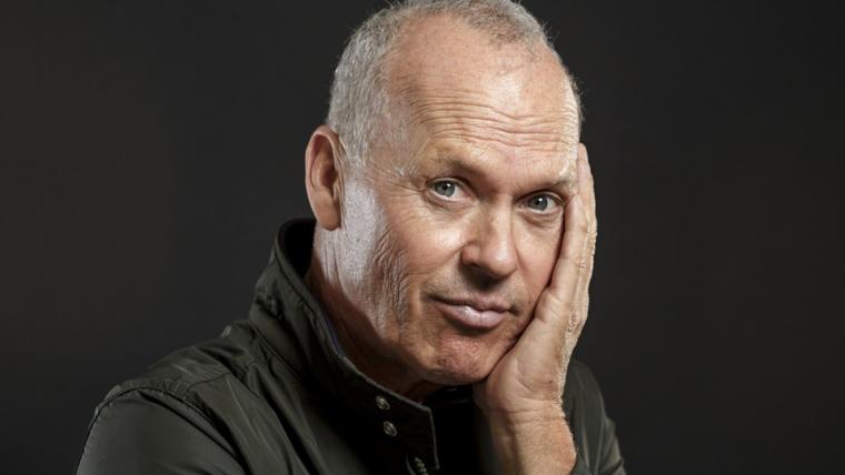 Michael Keaton negocia para ser o vilão no Dumbo de Tim Burton