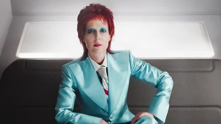 American Gods | Gillian Anderson aparece como David Bowie