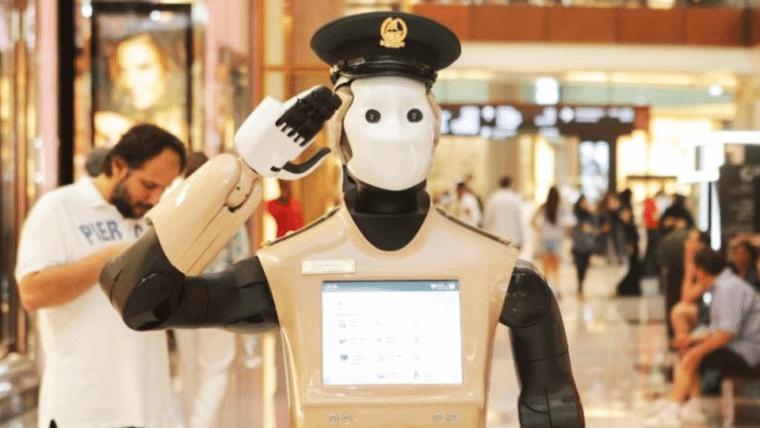 Primeiro policial robô do mundo começa a operar em Dubai