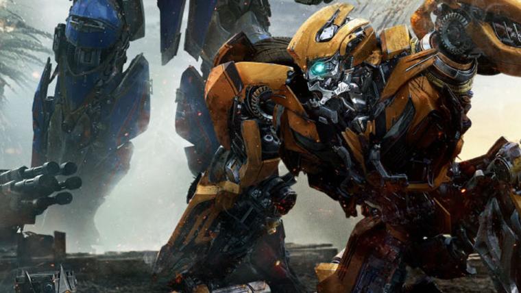 Transformers: O Último Cavaleiro   Bumblebee e Optimus Prime se enfrentam em novo cartaz