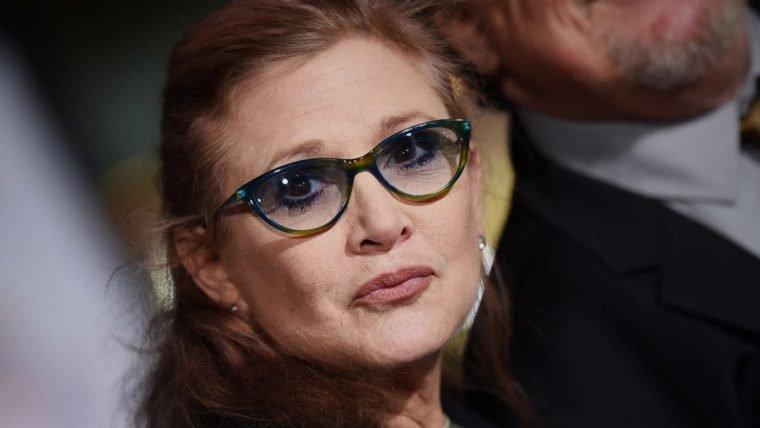 Morte de Carrie Fisher foi causada por apneia do sono e fatores indeterminados