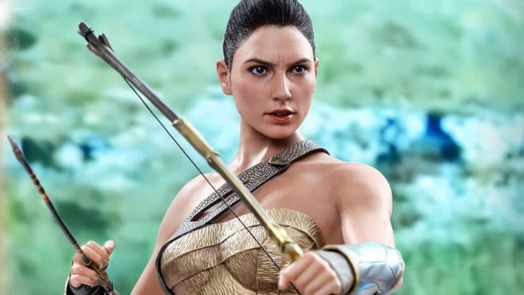 Mulher-Maravilha da Hot Toys está pronta para lutar