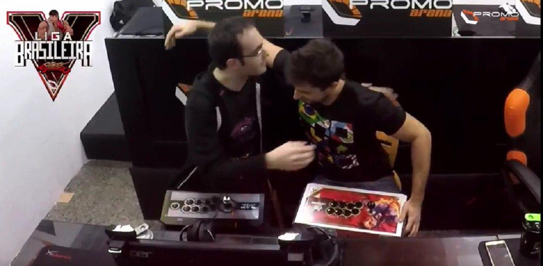 Brolynho é campeão da Liga Brasileira de Street Fighter V