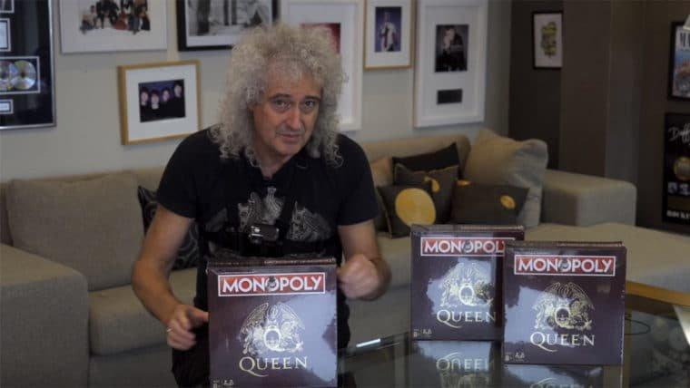 Brian May joga Monopoly do Queen sozinho em um dos momentos mais forever alone da internet
