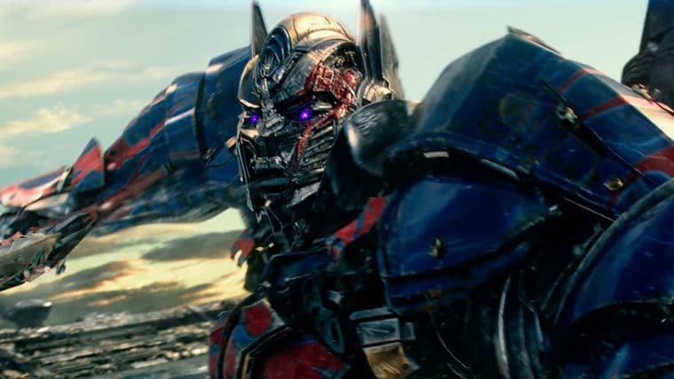 Transformers: O Último Cavaleiro   Optimus Prime se torna uma ameaça em novo trailer