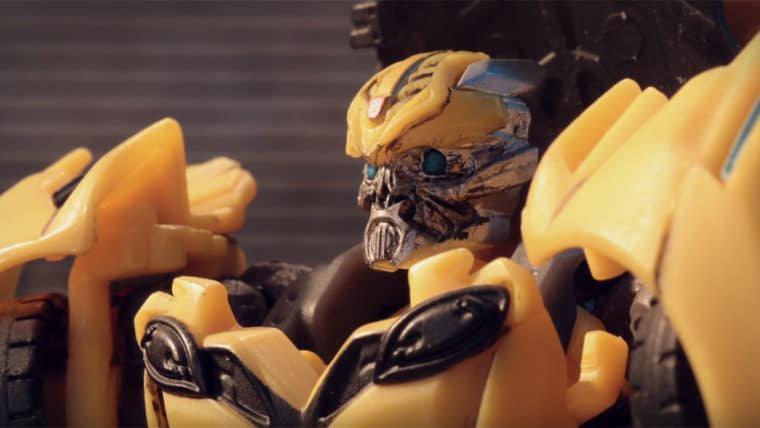 Transformers: O Último Cavaleiro   Bumblebee não consegue ficar sério em vídeo zoeira