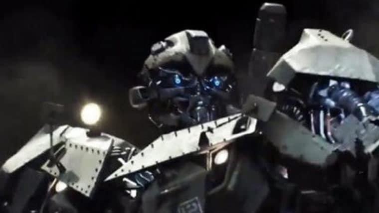 Transformers: O Último Cavaleiro   Bumblebee da Segunda Guerra Mundial aparece em foto
