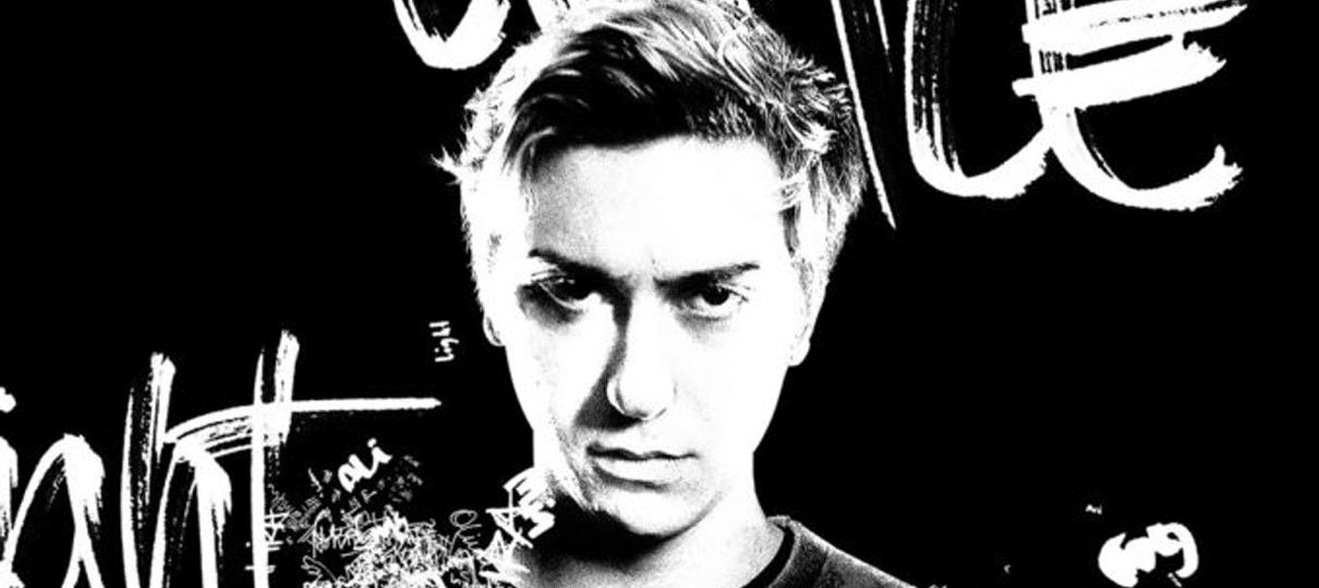Light Turner aparece em cartaz inédito de Death Note