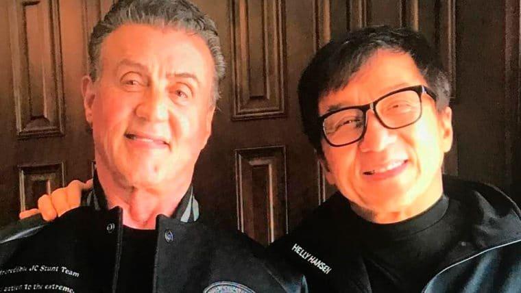 Ex-Baghdad   Jackie Chan e Sylvester Stallone se reúnem para discutir o filme em foto
