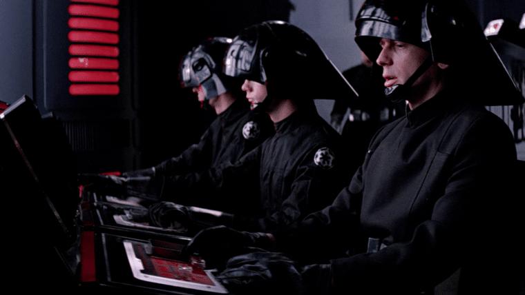 Han Solo | Capacete imperial aparece em nova foto do set