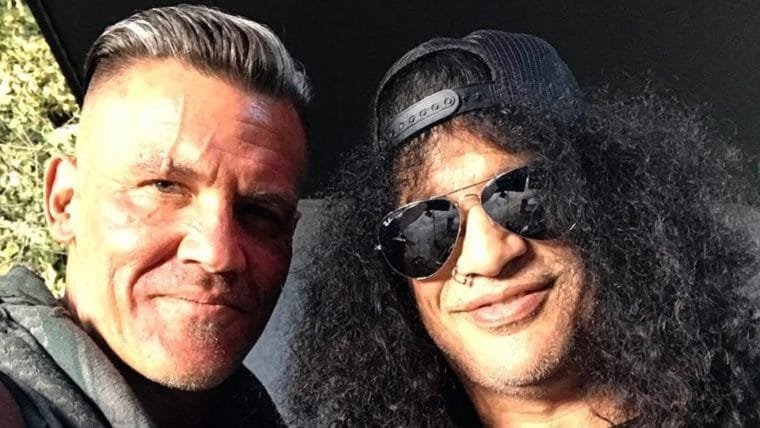 Josh Brolin tira selfie com Slash no set de Deadpool 2