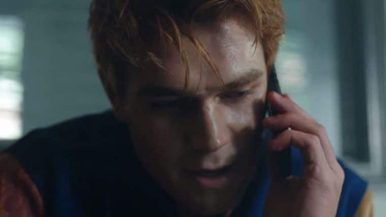 Riverdale | Pai de Archie está correndo perigo em novo vídeo promocional