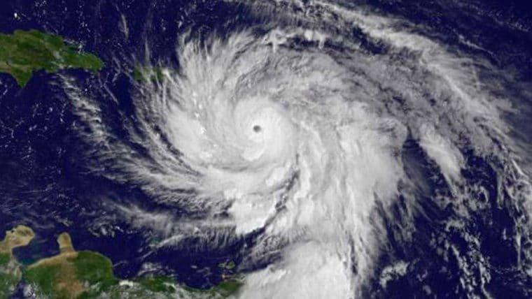 Passagem de furacão Maria por Porto Rico afeta internet no Brasil, diz jornal