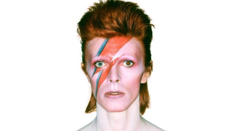 Museu vai criar versões VR e AR de exposição sobre David Bowie
