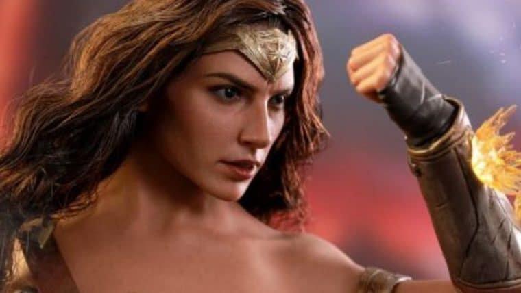 Mulher-Maravilha está pronta para qualquer luta nessa nova figure da Hot Toys!