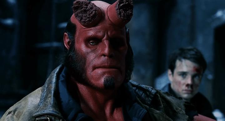 David Harbour quer que parem de importunar Ron Perlman com perguntas sobre Hellboy