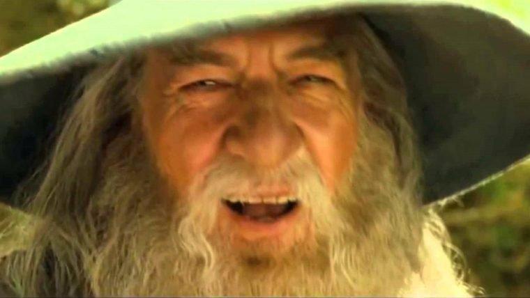 Ian McKellan quer ser o Gandalf na série da Amazon de O Senhor dos Anéis
