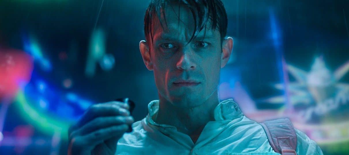 Segunda temporada de Altered Carbon deve começar suas filmagens em outubro, diz site