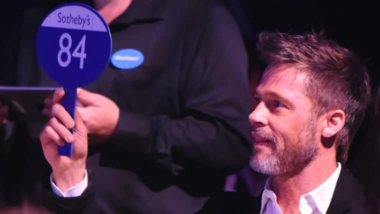 Brad Pitt deu lance de US$ 120 mil para assistir à Game of Thrones com Emilia Clarke (e perdeu)