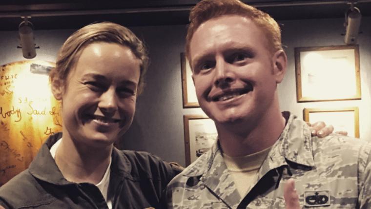 Capitã Marvel | Brie Larson vai a uma base da Força Aérea como preparação para o filme