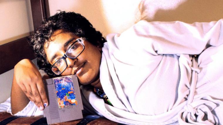 Mulher se apaixonou por Tetris e vai se casar com um cartucho