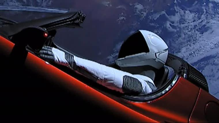 Tem um carro no espaço! Mas o Falcon Heavy, o foguete de Elon Musk, representa muito mais
