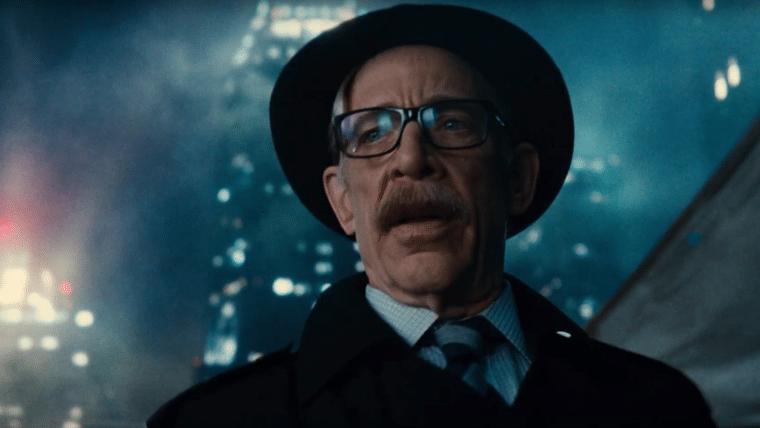 J.K. Simmons diz que Comissário Gordon deve ter participação maior no filme solo do Batman